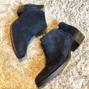 NWOT Lucky Brand Bardon 2 blue suede bootie size 8